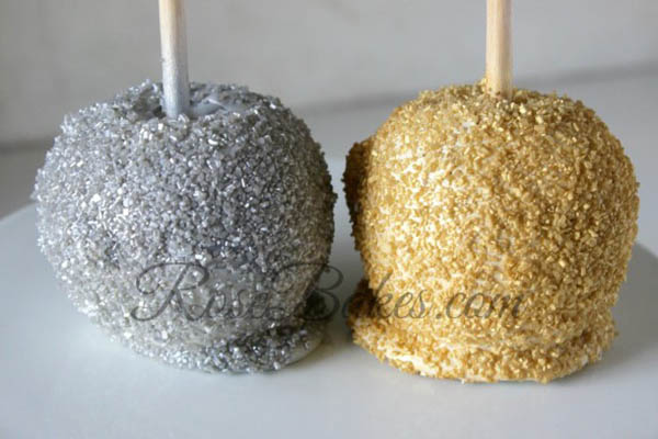 Silver-and-Gold-Candy-Apples perfect for golden globes