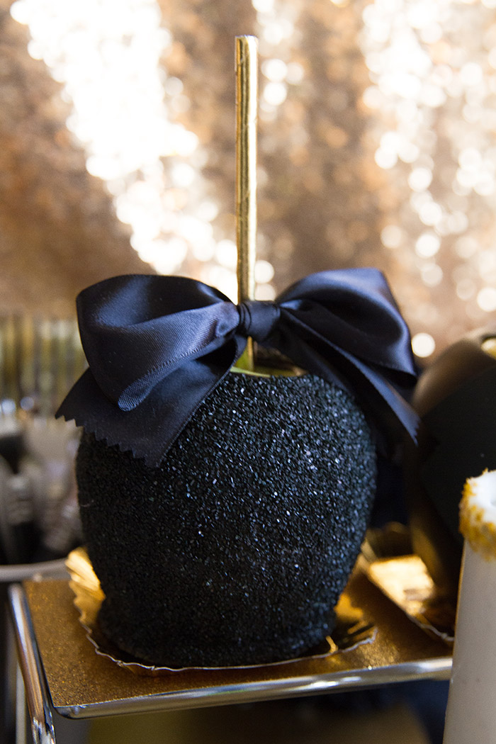 Black and gold Oscar Party- Fancy Caramel Apples -See More Oscar Party Ideas On B. Lovely Events