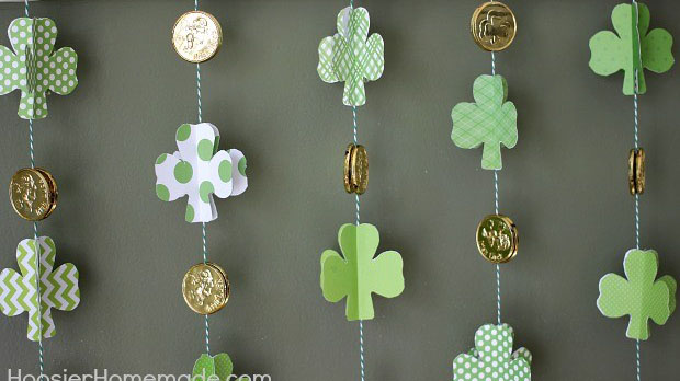 Fun Shamrock Garland for St Patricks Day! -See More Shamrock Banners & Garlands On The Blog! B. Lovely Events