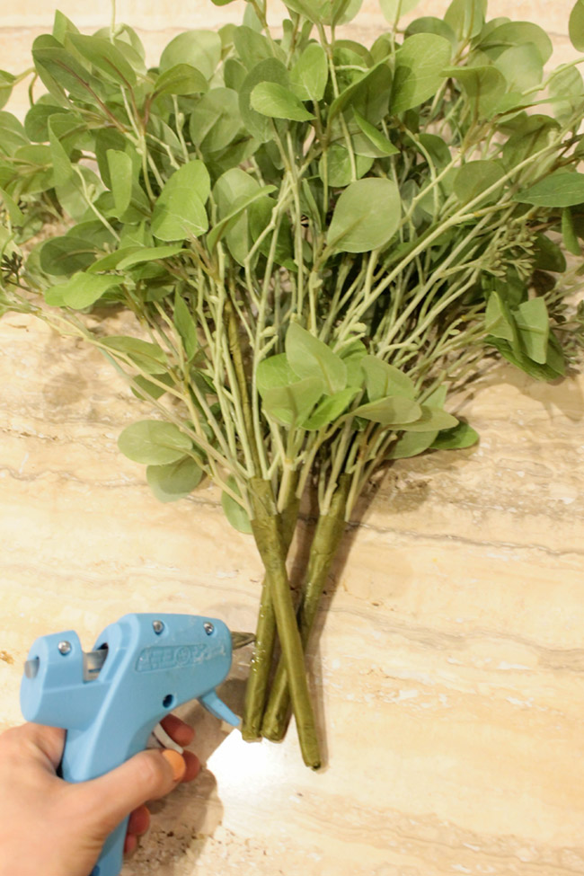 DIY Plant Centerpiece With Eucalyptus (4) -Learn How To Make Them On B. Lovely Events