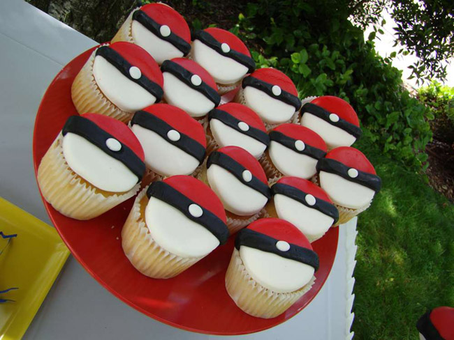 Love these pokemon Party Cupcakes! -- See more cute Pokemon Party Ideas on B. Lovely Events