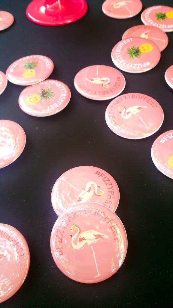 fun-flamingo-buttons