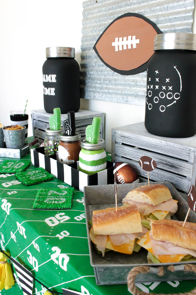love-this-tailgate-home-party-full-of-diys- B. Lovely Events
