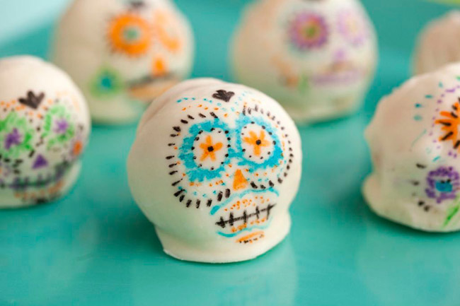 dia de los muertos cake pops- B. Lovely Events
