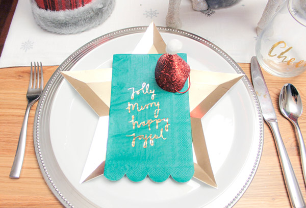 easy and festive christmas place setting- B. Lovely Events