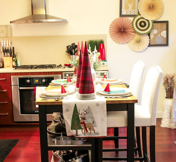 love the plain in this fun christmas tablescape- B. Lovely Events