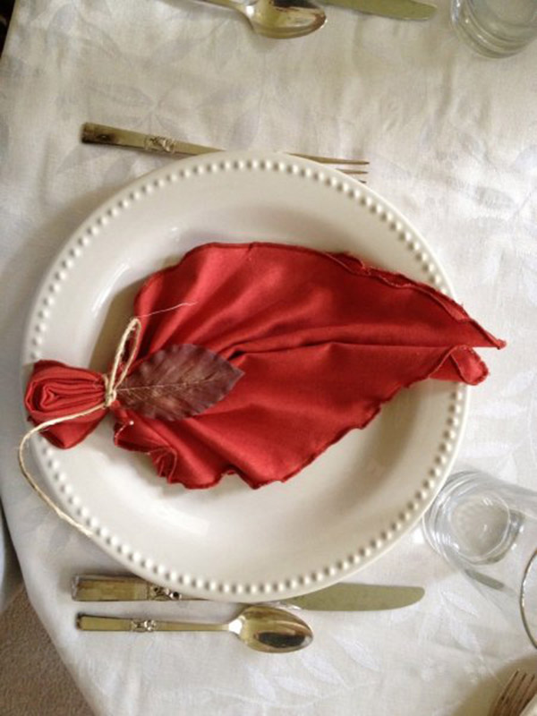 Amazing Thanksgiving napkin ideas-see them all on B. Lovely Events