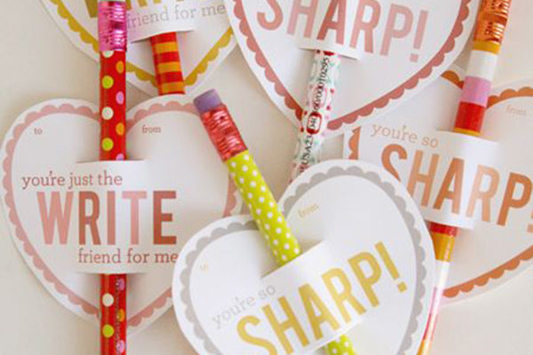 Loving this year! – Pencil Valentine's Day Cards {With Free Printables}