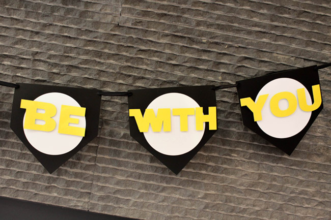 DIY Star Wars Banner May The 4th Be With You - See how to make it on B. Lovely Events