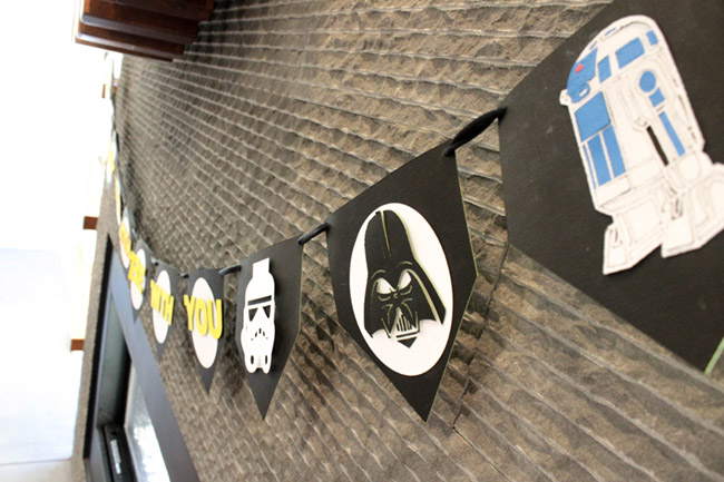 DIY Star Wars Banner May The 4th Be With You - See how to make all the characters on B. Lovely Events
