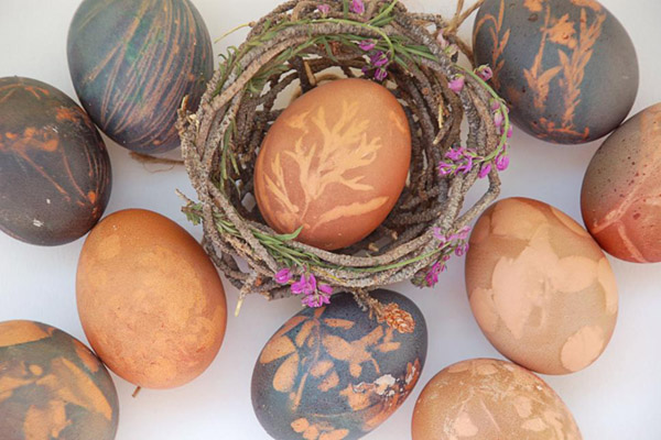 Lovely Natural Dyed Easter Eggs- See more natural easter eggs on B. Lovely Events