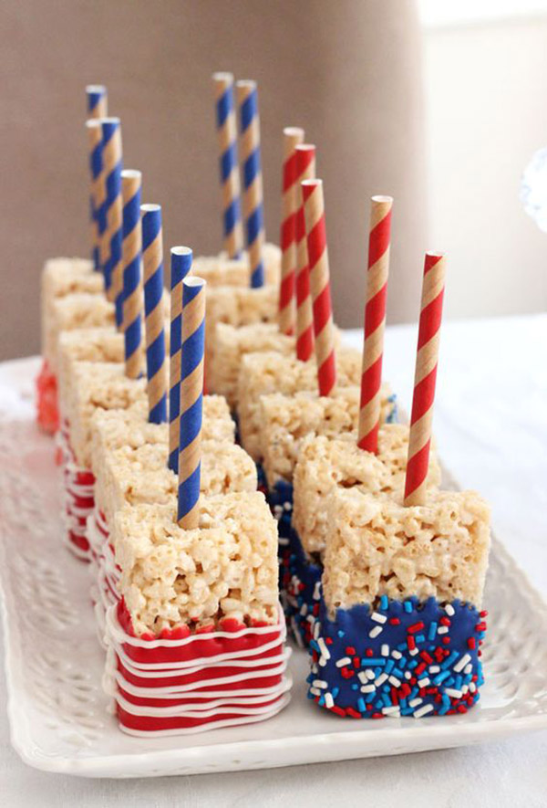 Love these 4th of July Rice Crispies!- See all 8 AWESOME 4th of July Rice Krispy ideas on B. Lovely Events!