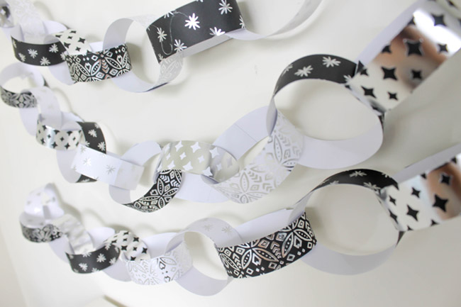 DIY paper chains! Learn how to make them on B. Lovely Events!