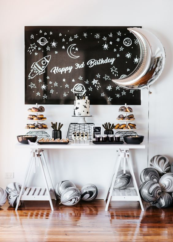 Star and space party- love this!- See more Space, Star and Galaxy party Ideas on B. Lovely Events