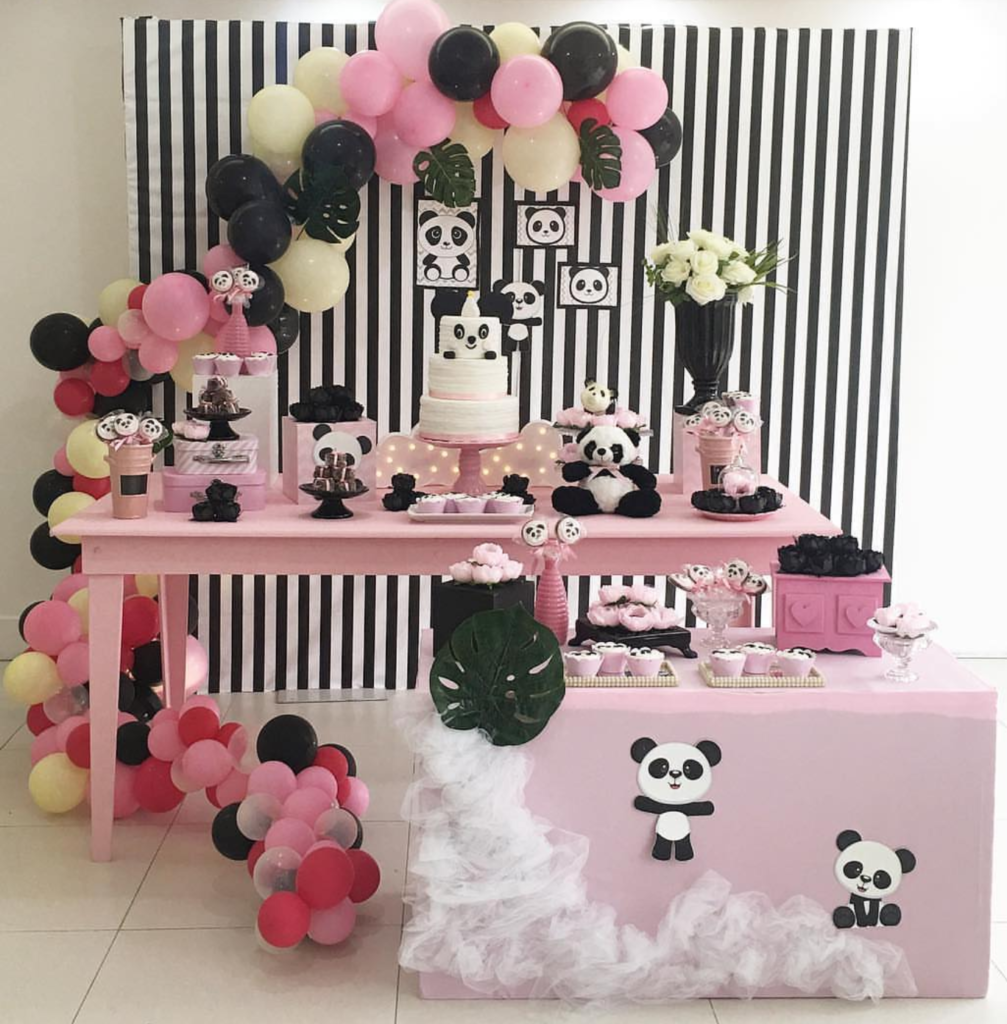 I love this panda party! -See more Panda Party ideas on B. Lovely Events