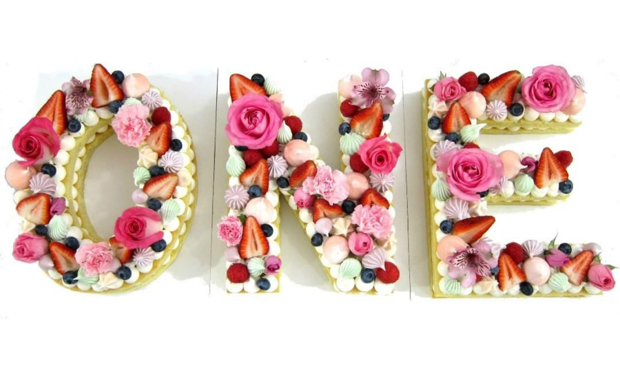 Gorgeous Cookie Cake - See more of our favorite cookie cakes on B. Lovely Events