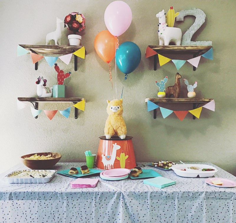 Fun rustic llama party! - See more llama party love on B. Lovely Events