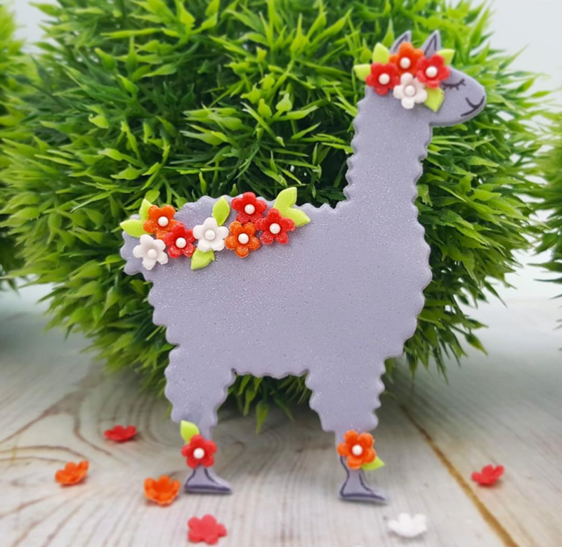 I love this cute llama cookie! - See more llama party love on B. Lovely Events