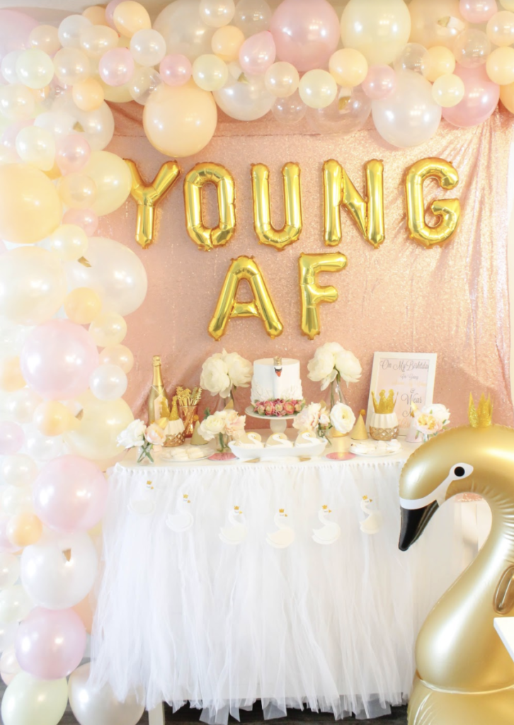 Swans with crowns party ideas- B. Lovely Events