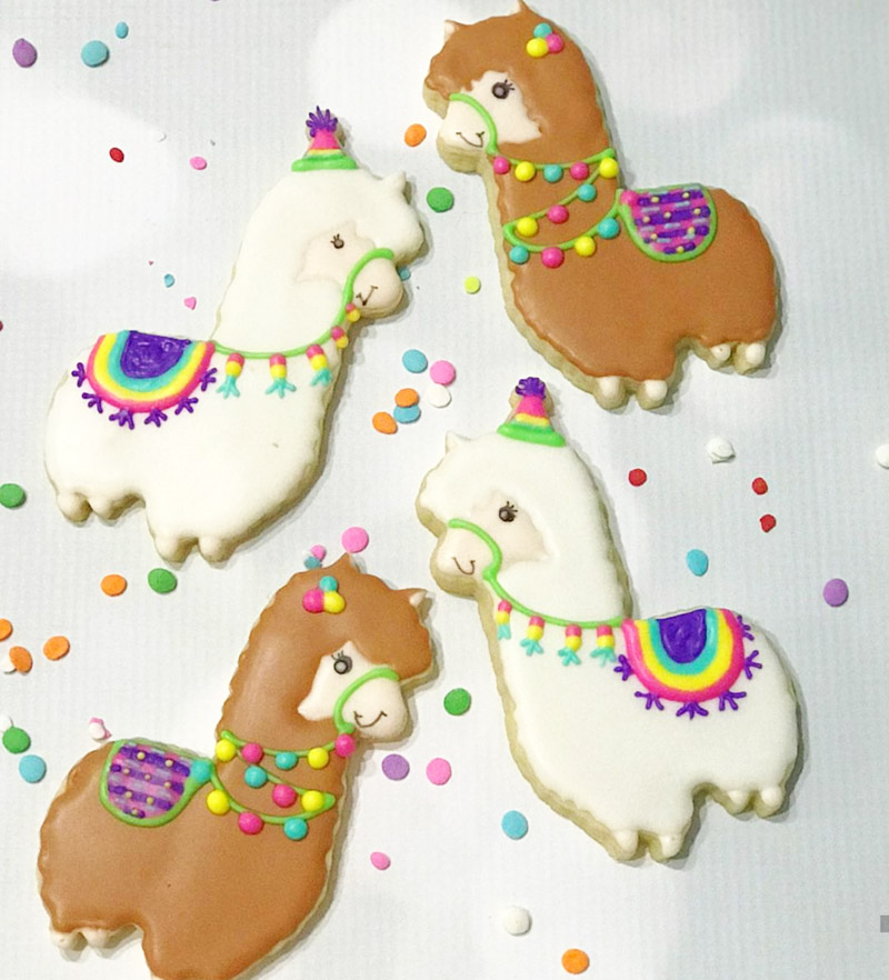 llama cookies that are just too cute! - See more llama party love on B. Lovely Events