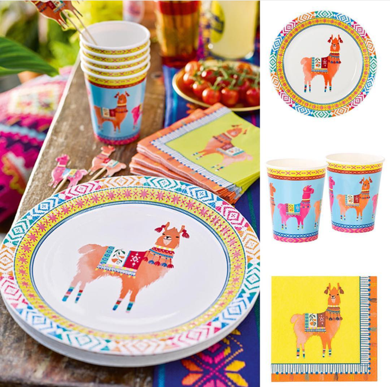 love this llama party plate set- See more llama party love on B. Lovely Events