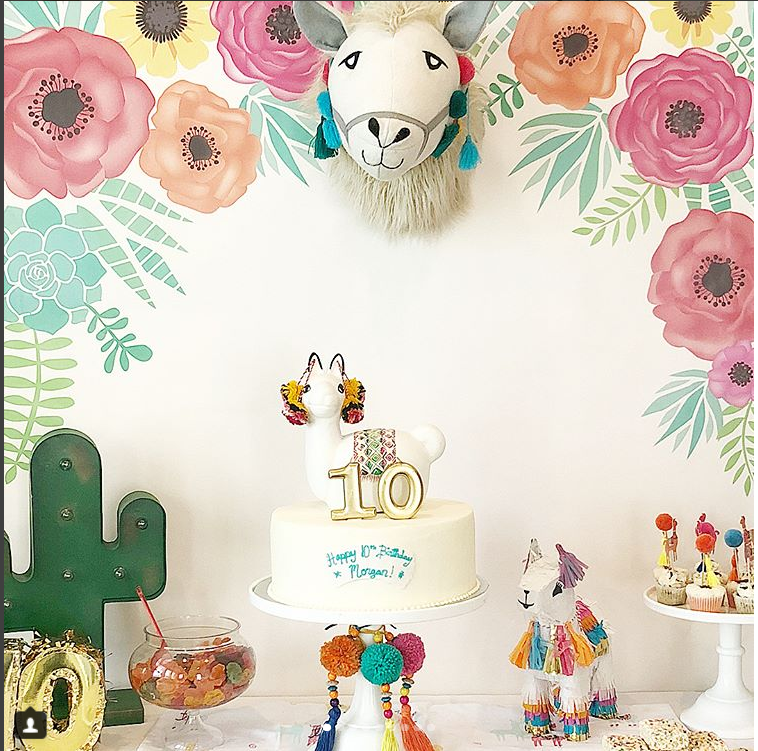 loving llama parties!- See more llama parties we love on B. Lovely Events