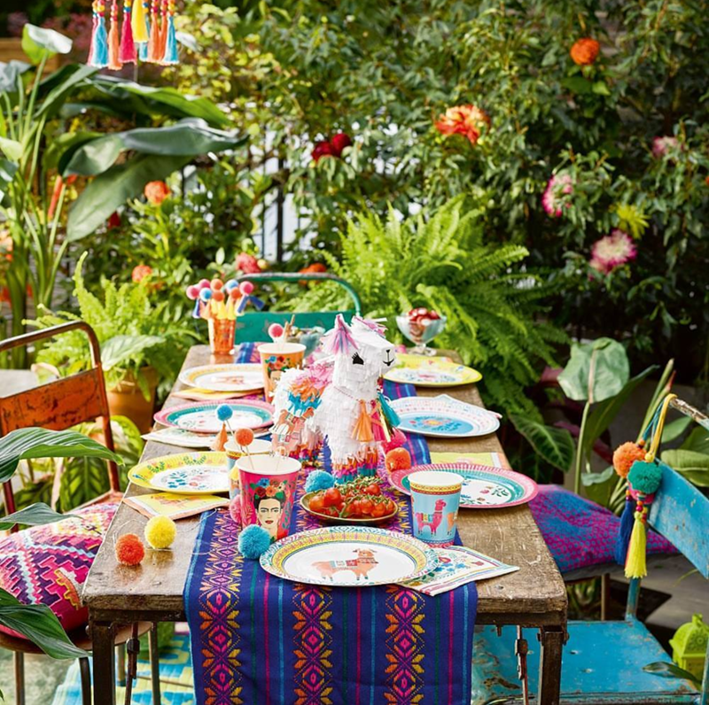 this llama party is so festive!- See more llama party love on B. Lovely Events