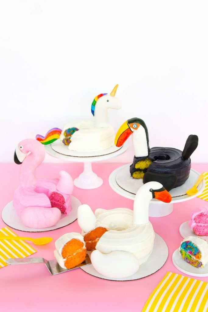 Love these cute toucan cake - See More Toucan Party Ideas at B. Lovely Events