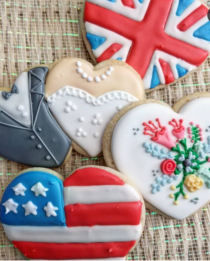 What lovely royal wedding cookies! - See More Royal Wedding Lovlieness at B. Lovely Events #royalwedding #partyplanning #partythemes