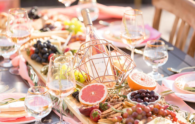 Rose all day tablescape - See our favorite Rosé Party Ideas on B. Lovely Events!