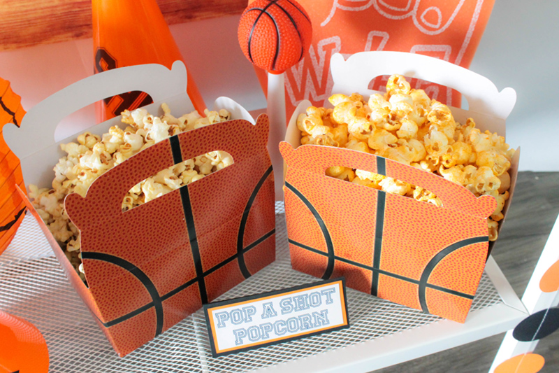 Love these basketball boxes to hold fun snacks for a basketball party! #basketball #basketballparty