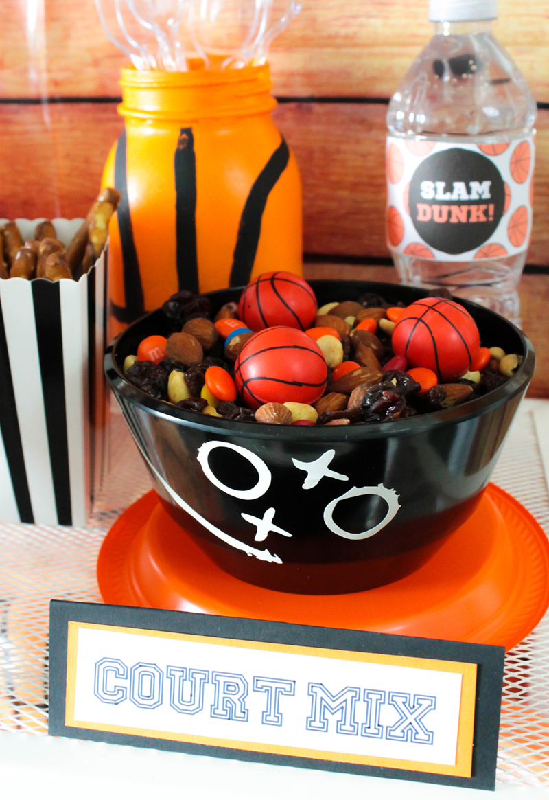 This trailmix courtmix is awesome for a basketball party!