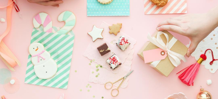 Im dreaming of a pink Christmas this year! - See more pink Christmas ideas on B. Lovely Events! #christmas #christmasparty #christmasideas #christmasdecor