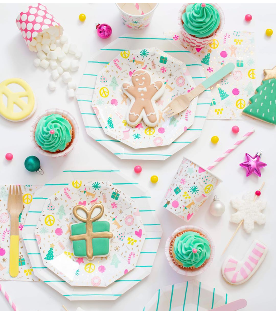 Love this pink Christmas gingerbread party!- See more pink Christmas ideas on B. Lovely Events! #christmas #christmasparty #christmasideas #christmasdecor