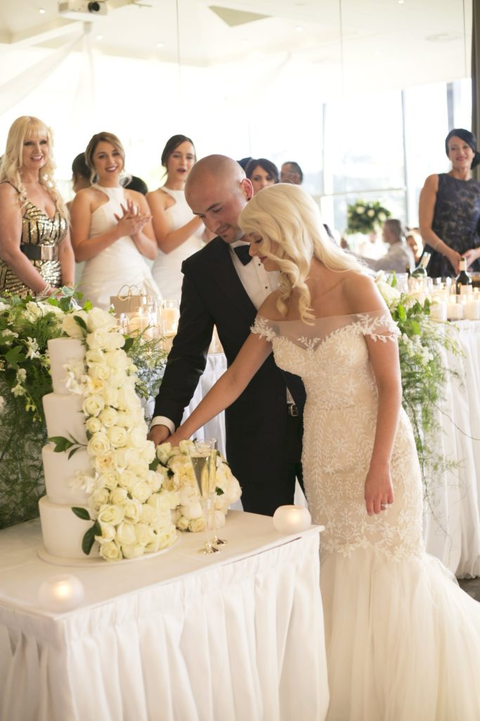 Real Wedding Belinda and michales all white wedding 4 - See all the beautiful details on B. Lovely Events! #wedding #realwedding #weddingideas #weddingtips #weddingdecorations