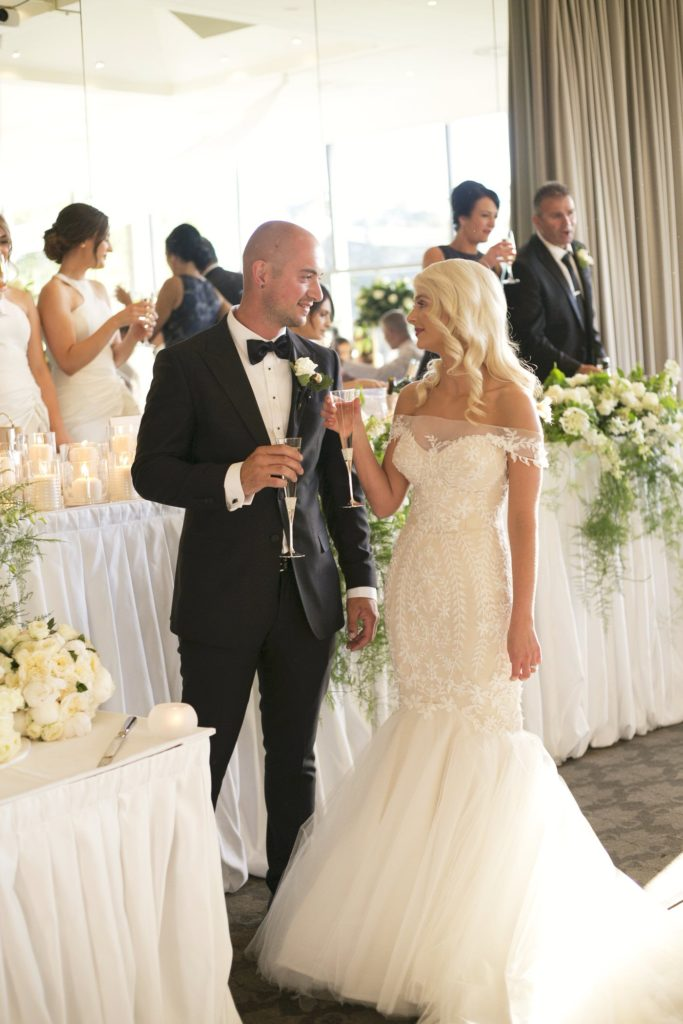 Real Wedding Belinda and michales all white wedding 5- See all the beautiful details on B. Lovely Events! #wedding #realwedding #weddingideas #weddingtips #weddingdecorations