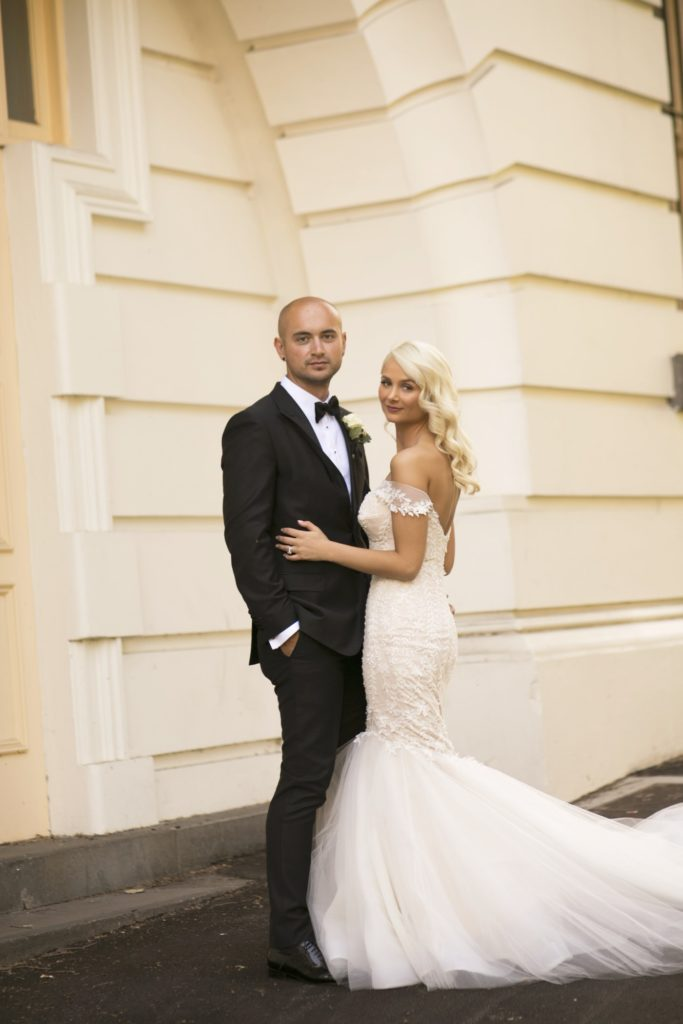 Real Wedding Belinda and michale's all white wedding 7- See all the beautiful details on B. Lovely Events! #wedding #realwedding #weddingideas #weddingtips #weddingdecorations