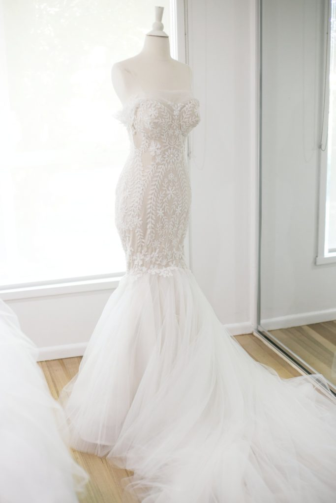 Real wedding lace wedding dress- See all the beautiful details on B. Lovely Events! #wedding #realwedding #weddingideas #weddingtips #weddingdecorations