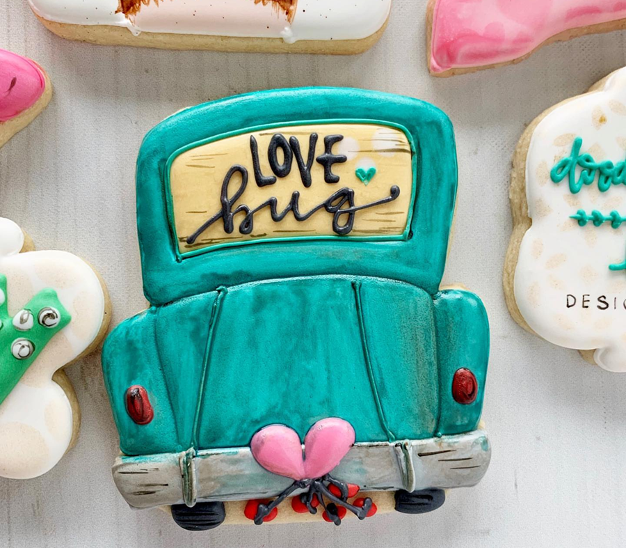 cute love bug valentine's Day cookies-See more of our favorite valentine's day cookies of 2019 on B. Lovely Events! #valentinesday #cookies #decoratedcookies