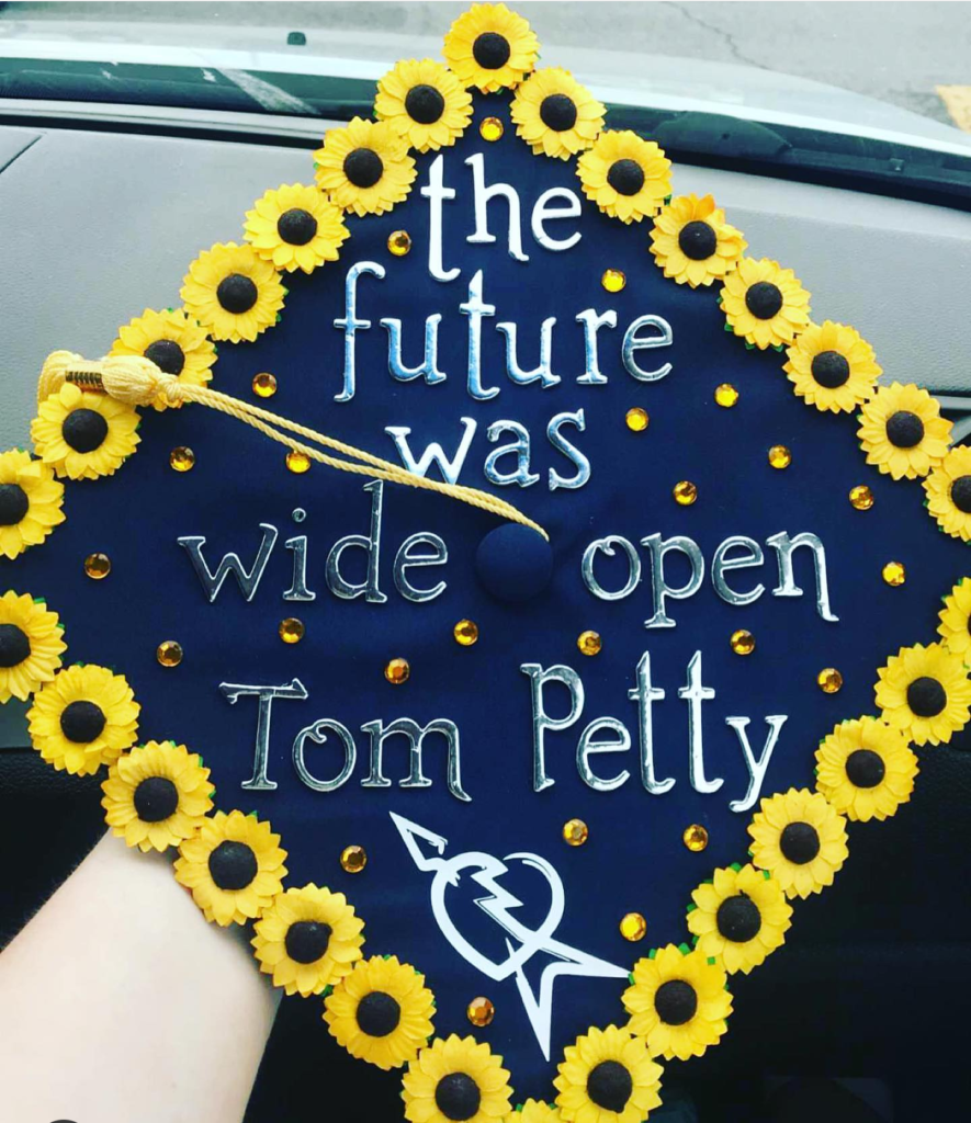Love this fun decorated Graduation Cap!- See more graduation cap inspiration on B. Lovely Events #Graduation #graduationcap
