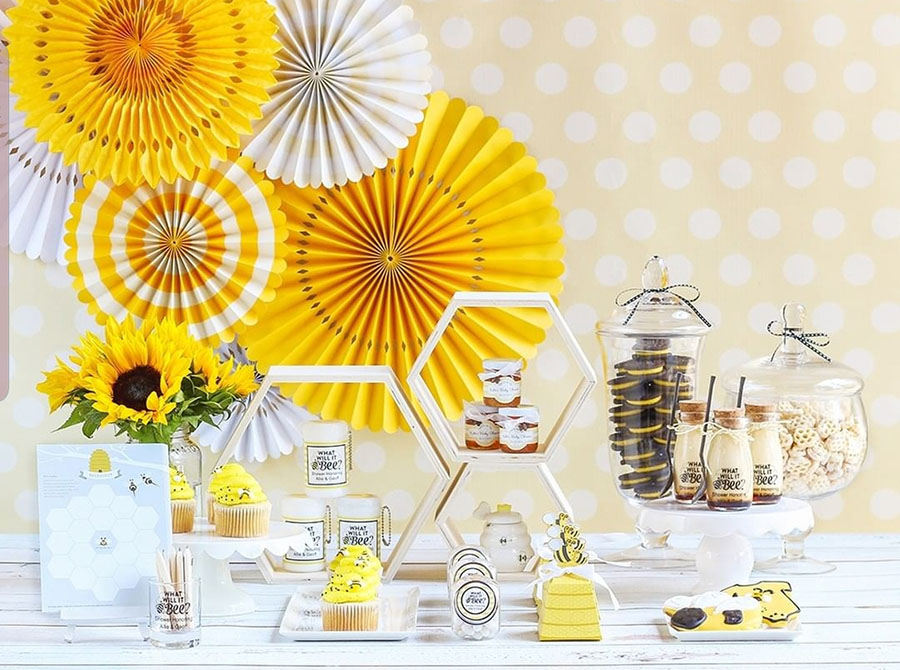Love this Bee Baby Shower- Such a cute theme!- See More Bee Party Ideas at B. Lovely Events