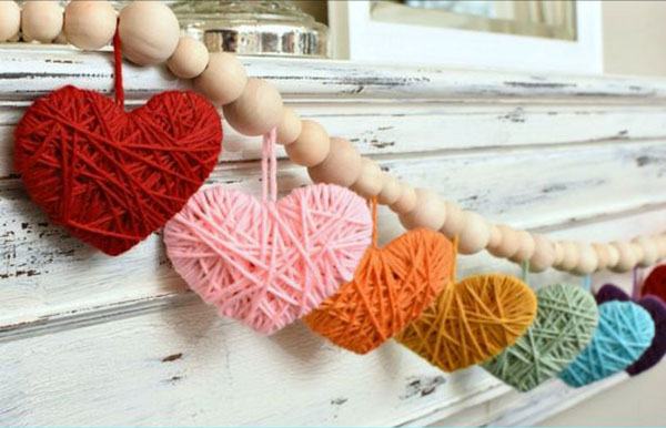 Love these yarn hearts for Valentines day
