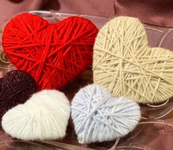 DIY yarn heart gifts