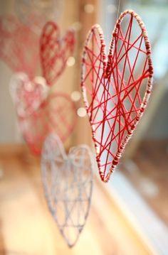 DIY yarn heart decor