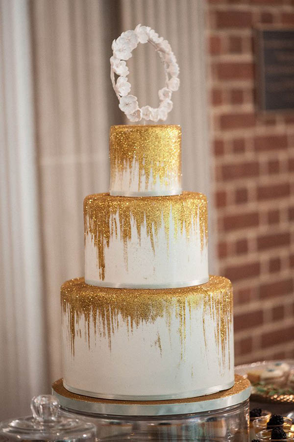 white wedding cake with gold glitter lovely gold glitter wedding ideas b lovely events 27412